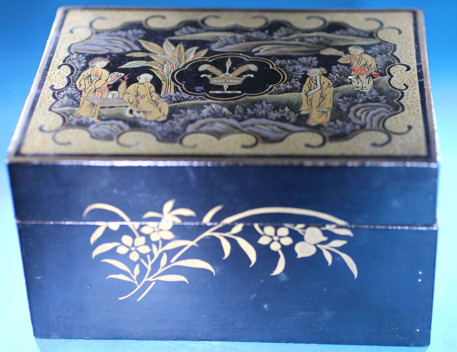 Interior lacquer box and set of 3 counters for WARDOR